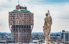 La Torre Velasca di Milano: spettacolare esempio del Razionalismo Italiano