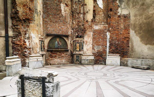 Pavimento ritrovato della cappella di Santa Maria alla Porta a Milano