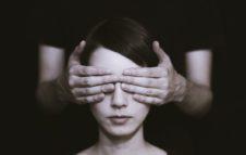 Dialogo nel Buio: una mostra percorso in assenza totale di luce